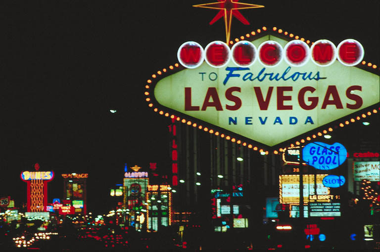 how to add text in vegas 15
